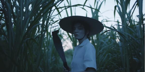 "Lorde dévoile le clip de ""Perfect Places"""