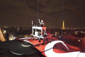 DJ Snake investit l'Arc de Triomphe pour un concert