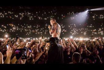 Concert hommage en préparation et grosse émotion avec le dernier clip de Linkin Park.