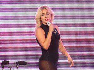 Lady Gaga-donne-de-ses-nouvelles-sur-Twitter