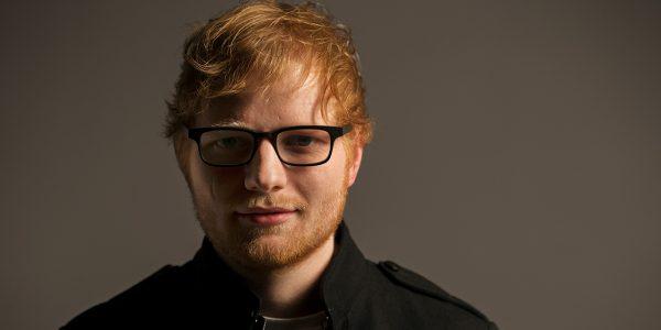 «Vous êtes né roux, bègue, avec un problème de vision…»: quand Sept à Huit dérape face à Ed Sheeran.