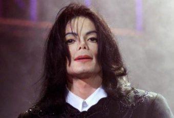 """Michael Jackson, de retour avec le clip """"Behind The Mask"""" !"""
