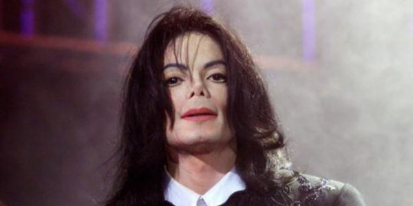 "Michael Jackson, de retour avec le clip ""Behind The Mask"" !"