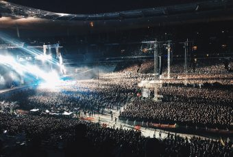 Metallica chante Johnny Hallyday lors de son concert