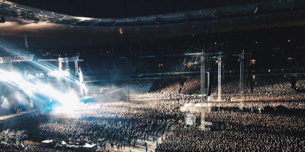 Metallica chante Johnny Hallyday lors de son concert